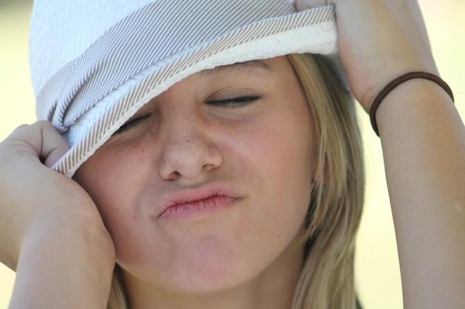 자외선이 강할 때는 모자를 써서 두피를 보호해주세요! - Pixabay 제공